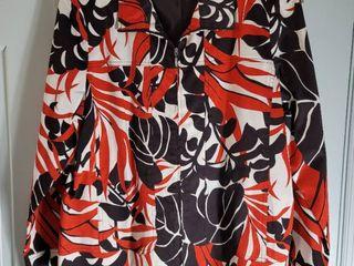 Black White Red Zip Up Susan Graver Size large Jacket
