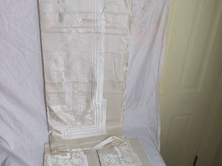 Beautiful Hand Hemmed Tablecloth and 12 Napkins Made in Belgium 104 x 66 Inch