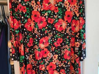 Susan graver size large women s floral blouse