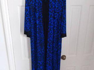 Joan Rivers Blue leopard Print Half Zip Size large