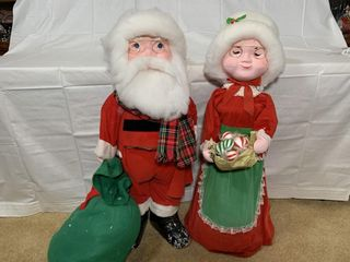 Santa and Mrs  Claus figures  3 ft  tall