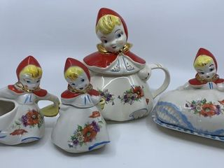 Hull little Red Riding Hood teapot and