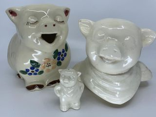 Smiley Pig pitcher  lid and one shaker