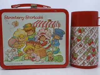 1981 Strawberry Shortcake lunchbox   thermos