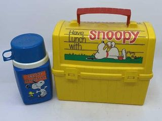 Yellow plastic Snoopy lunchbox   thermos