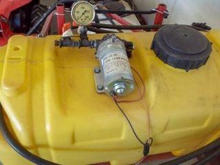 25 gal sprayer 6  booms  pull type pin hitch