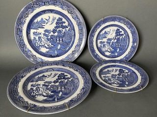 Grouping of English Willow Type Plates