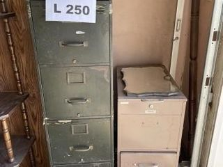 Filing cabinets  1 4drawer and 1 2 drawer  no