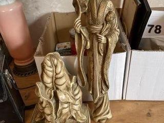 Oriental ceramic figurines  wall sconce  vintage