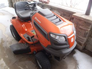 ESTATE FROM HANOVER-NEW HUSQVARNA LAWN TRACTOR-2 SOLID WOOD BR SUITES-ANTIQUE TOYS-COLONIAL DECOR