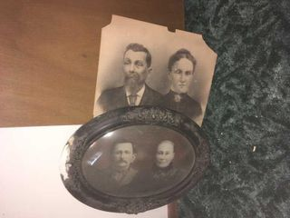 Antique oval shaped picture frame