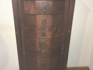 Standing jewelry cabinet