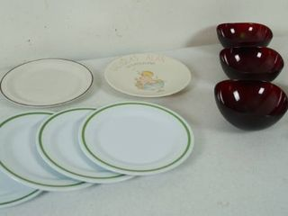 lot of Kitchen Plates   Bowls    8 Material Napkins