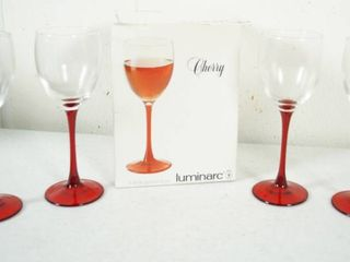 lot of 4 Cherry Footed Wine Glasses   luminacrc