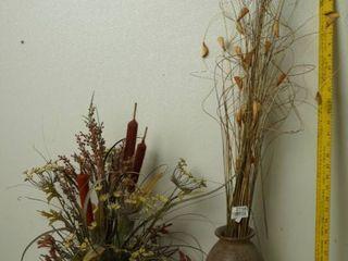 2 Beautiful Arrangement of Flower w  Vases
