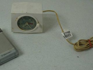 Vintage Alarm Clock  General Electric  8466 and AM   FM Emerson Radio