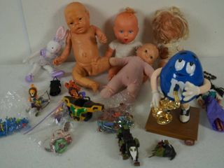 lot of Vintage Dolls   Babies  Blue M M Man  Barbie  Cards  and More