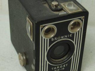 Vintage  Brownie Target Six 16  Camera
