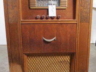Vintage Majestic Radio   Record Player   Model 4810