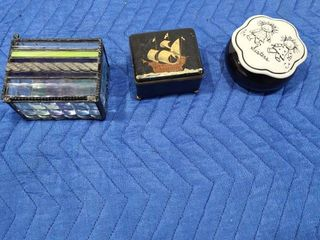 Small assorted keepsake boxes
