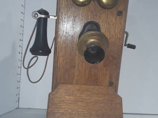 Antique Wooden Kellogg wall mounted telephone