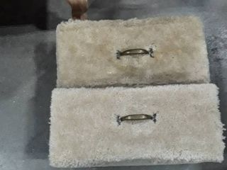 2 boxes with carpet on them maybe cat scratchersIJIJ