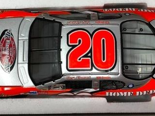 New In Box Tony Stewart  20 Diecast Silver Car 1 24 Scale 2003 Monte Carlo