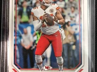 Two 2018 Patrick Mahomes II 2nd Year Football Cards   Rare The National   Black Friday Cards