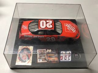 Tony Stewart Diecast 1 24  20 Home Depot Orange Car in Display Case with Extras