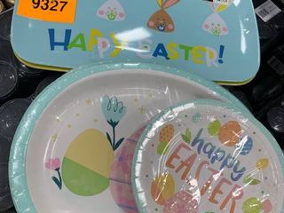 Set of paper and plastic plates