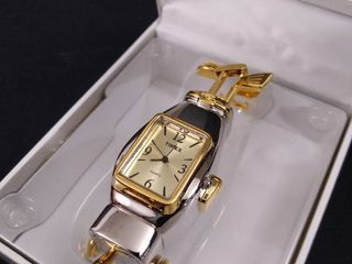 Timex collectible mini  clock