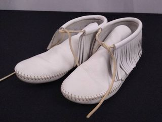 Pair of all white Minnie Tonka moccasins  size unknown