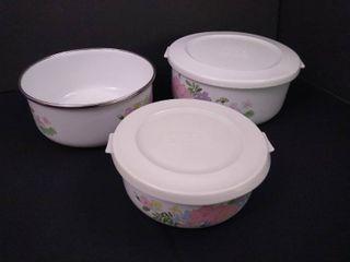 Set of 3 Kobe bowls with lids  medium sized bowl missing lid