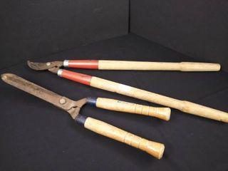 2 pairs of long handled garden shears