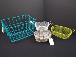 lot of 4 baskets with different sizes