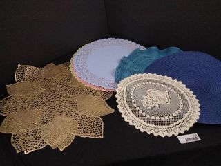 lot of 8 assorted place mats