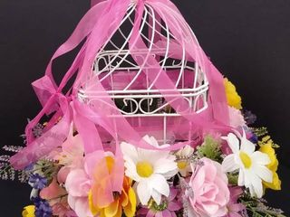 Decorative wire bird cage 14 1 2 in H