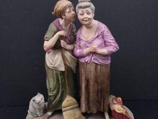 Un seguto  Two women gossiping figurine 8 1 2 in H