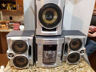 Sony Boombox Stereo System w  Subwoofer   3 Disc Changer MHC GX45