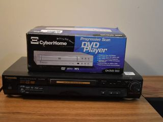 lot of 2 DVD Players   Panasonic  DVD RP56    CyberHome  CH DVD 300