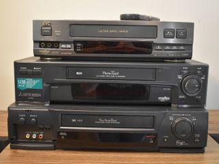 lot of 3 VHS Players   JVC  HR VP75U    2 Mitsubishis  HS U760   HS U681