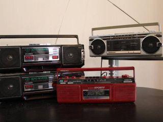 lot of 4 XBS   Sound Design Stereos   Model     4621 BUR   4626 A