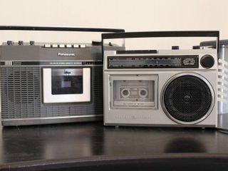 lot of 2 Radio Cassette Recorders   Model     3 5240 B  GE    RS 4605  Panasonic