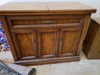 Fold Out Top Wooden Buffet Table   40  W  80  Unfolded  x 18  D x 31  H   Huntley by Thomasville