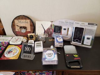 lot of Clocks  Thermometers    Gadgets and Weather Instruments