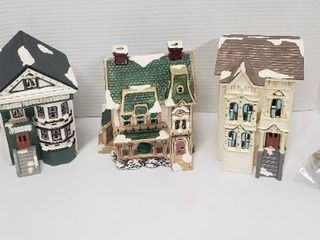 3 Department 56 Ceramic SnowHouse Series Village Homes w lights   8 Plastic Street lamp Accessories
