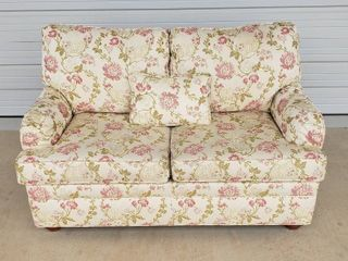 Ethan Allen Pink   Off White Floral loveseat w Throw Pillow and Arm Covers   60 x 38 x 36 in  tall