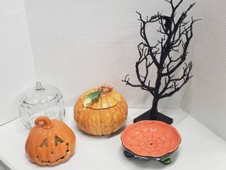 Halloween and Pumpkin Decor   Soup Tureen ladle needs repaired