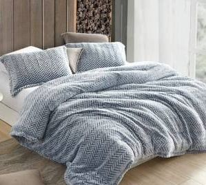 Cozy Peaks   Coma Inducer Oversized Comforter Set with 2 Shams   Chevron Frosted Navy  Retail 149 99