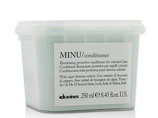 Davines Minu Illuminating Protective Conditioner  8 45 Oz
